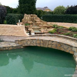 Пруды и фонтаны